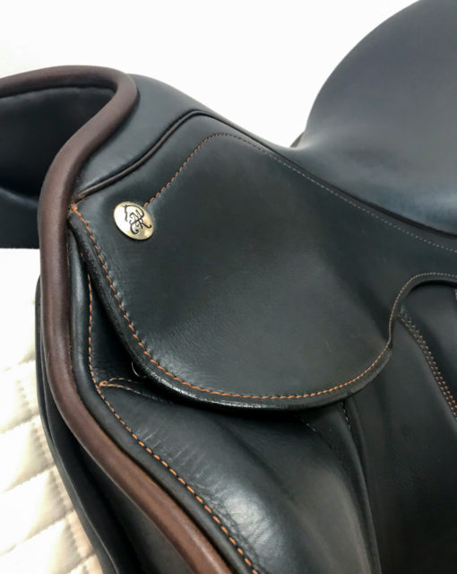 MacRider Evolution dressage saddle in navy italian calfskin leather