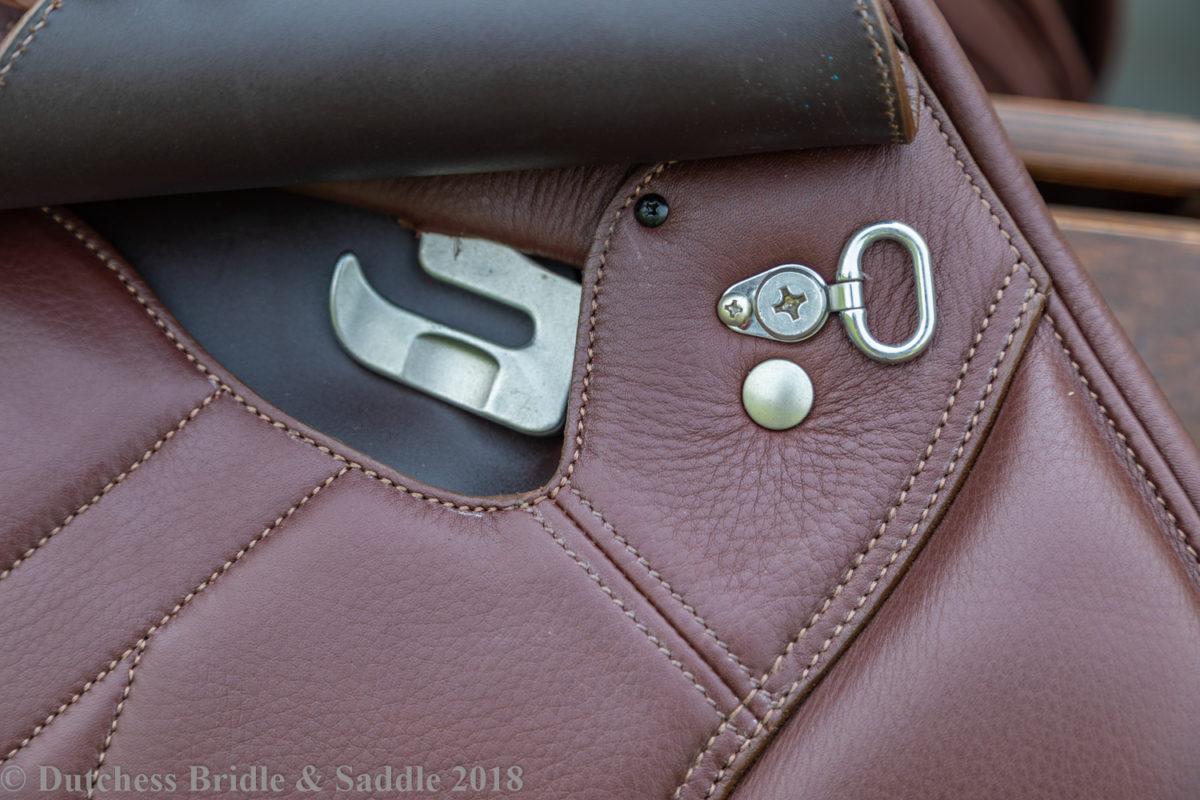 Bates Caprilli Close Contact with adjustable ergonomic stirrup bar