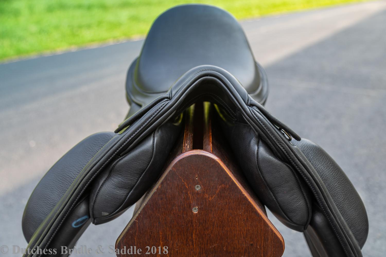 Fairfax Gareth Monoflap dressage saddle adjustable shoulder blocks