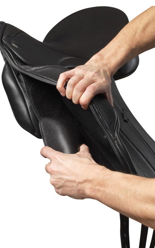 Fairfax Spencer Monoflap Dressage Saddle split panel demonstration 2